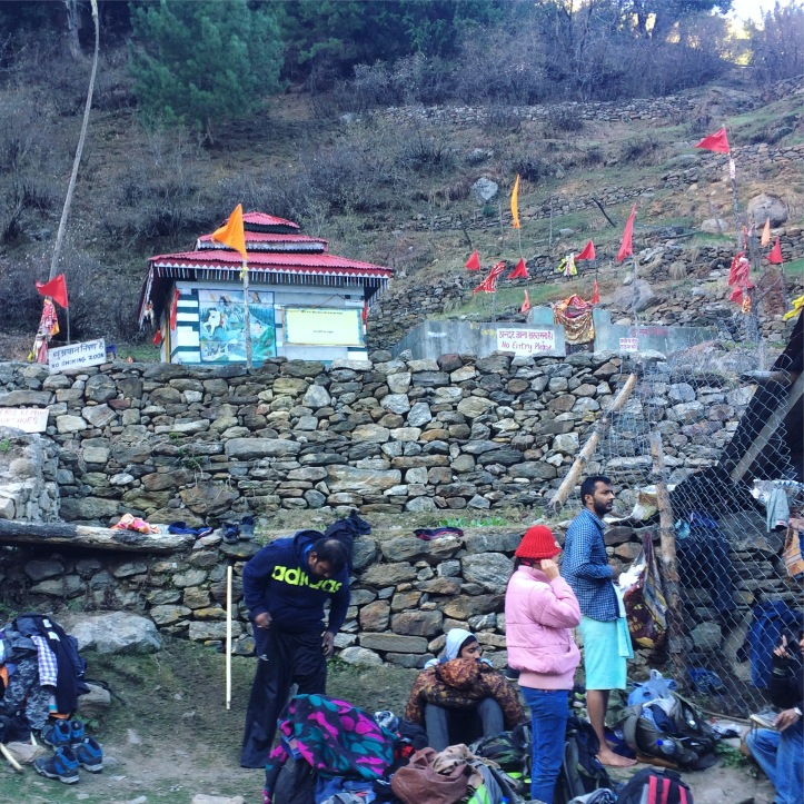 Temple and hot water spring in Kheerganga