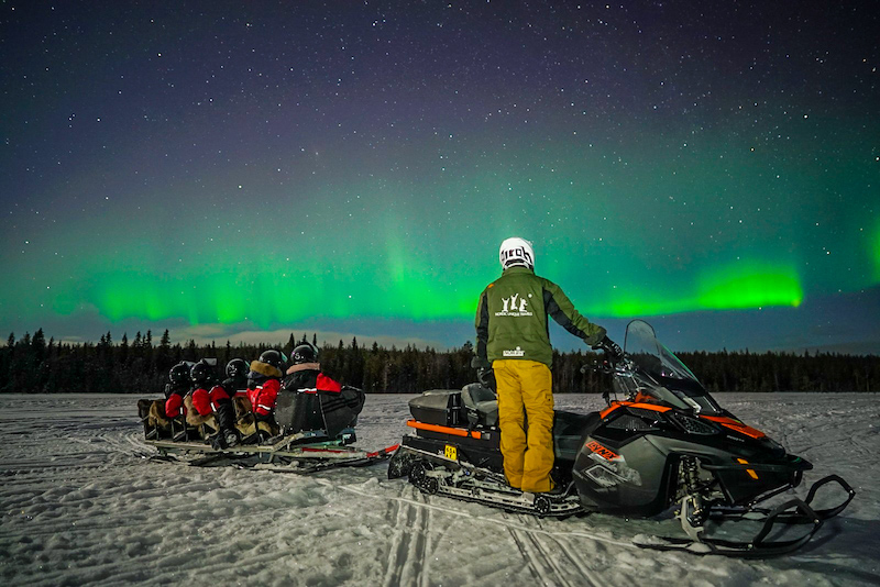 snowmobile_in_lapland1