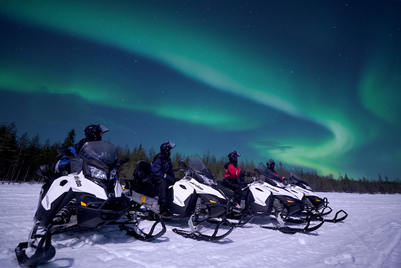snowmobile_in_lapland12