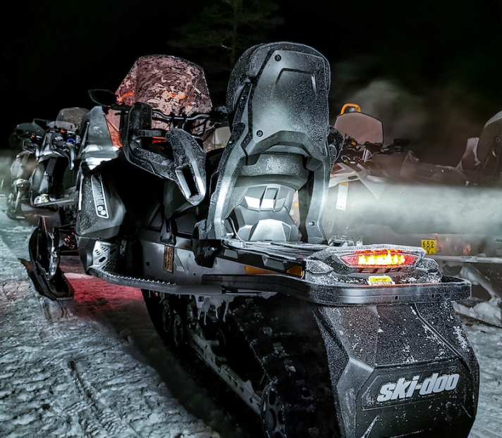 snowmobile_in_lapland14