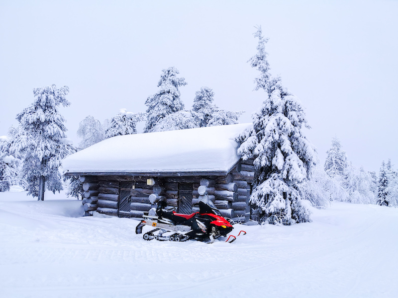 snowmobile_in_lapland6