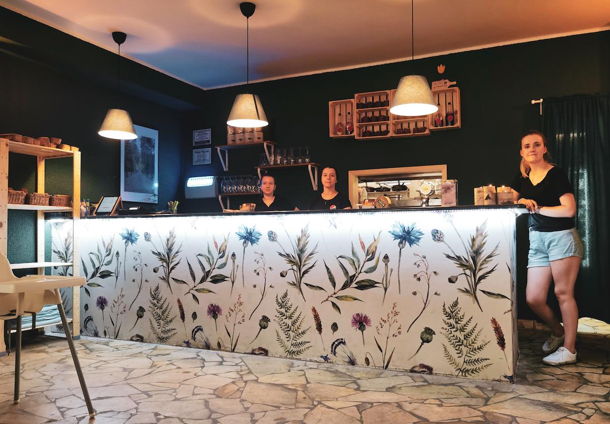 Domowa restaurant in Wielen